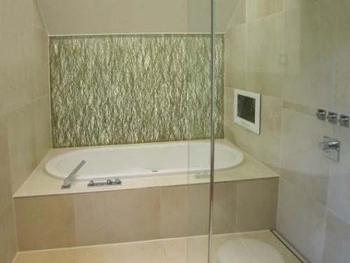 Badkamer tv voorbeelden van tevreden klanten inbouw tv waterdichte tv en spiegel tv service - Spiegel tv badkamer ...