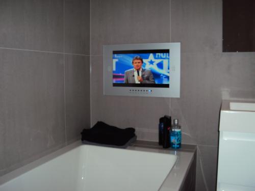 Badkamer TV voorbeelden van tevreden klanten: Inbouw TV, Waterdichte ...