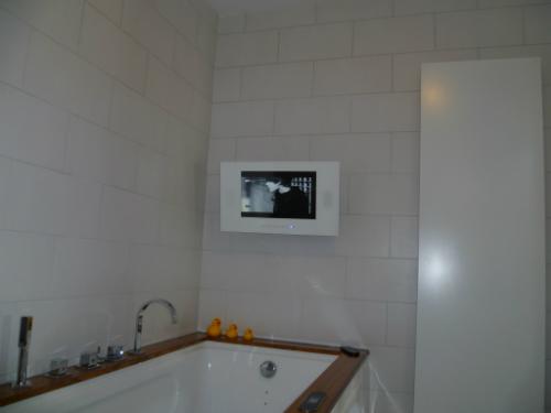 Badkamer Tv Inbouw